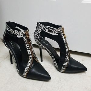 Sexy Heels Edgy Zipper detail pointy toe stilettos